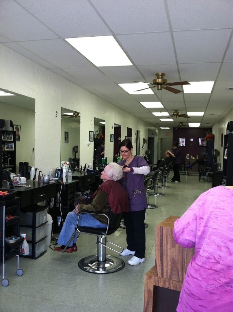 Geneva Pro Cuts: 50 S Broadway, Geneva, OH