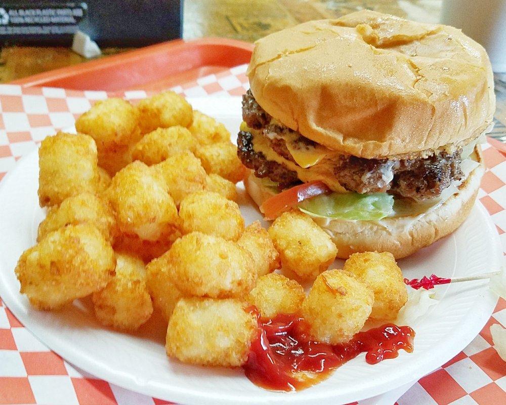 John's Pro Burger: 7094 Hwy 84, Winnfield, LA
