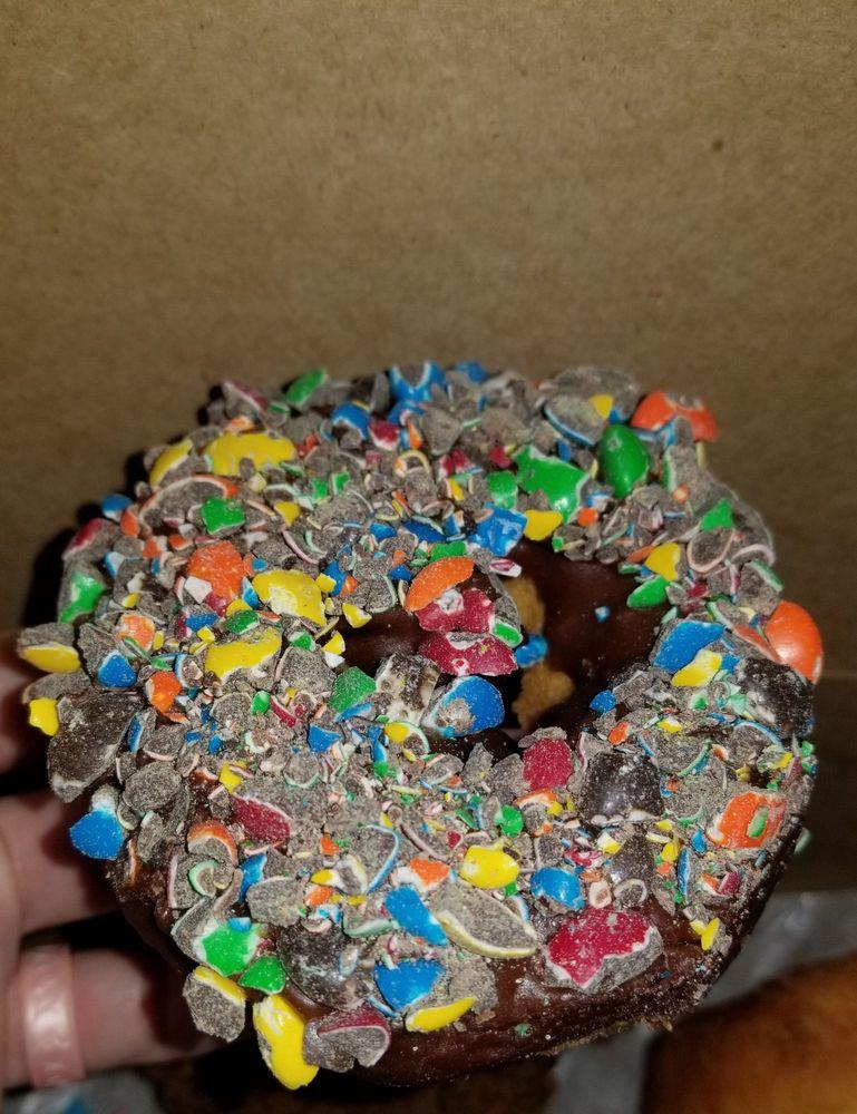 Ray's Donuts: 315 NE Vivion Rd, Kansas City, MO