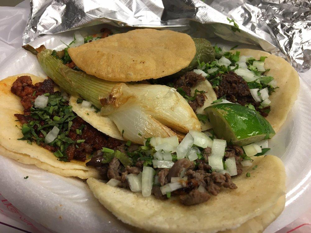 mini tacos mi pueblito querido: 2105 West Avenue M, Temple, TX