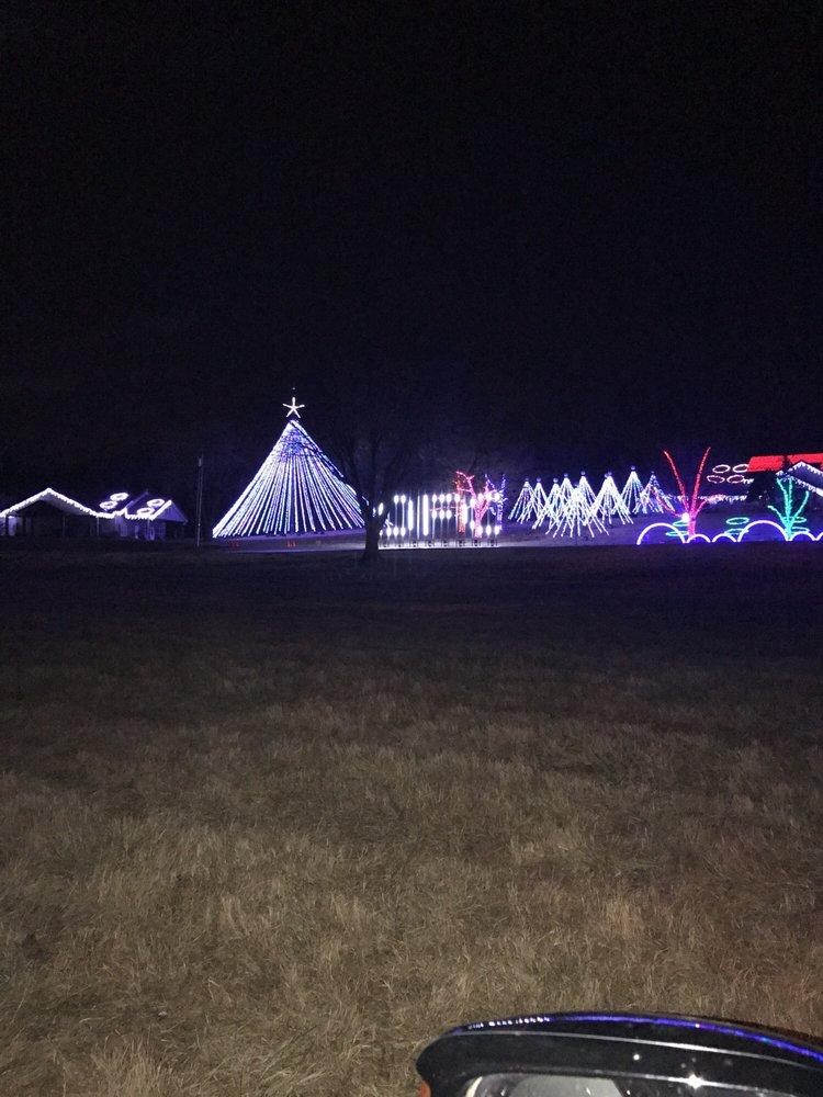Downs Family Christmas Light Ministry: 2900 72nd Ave SE, Norman, OK