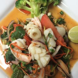 rose garden 150 photos 93 reviews thai 2825 s market st redding ca restaurant