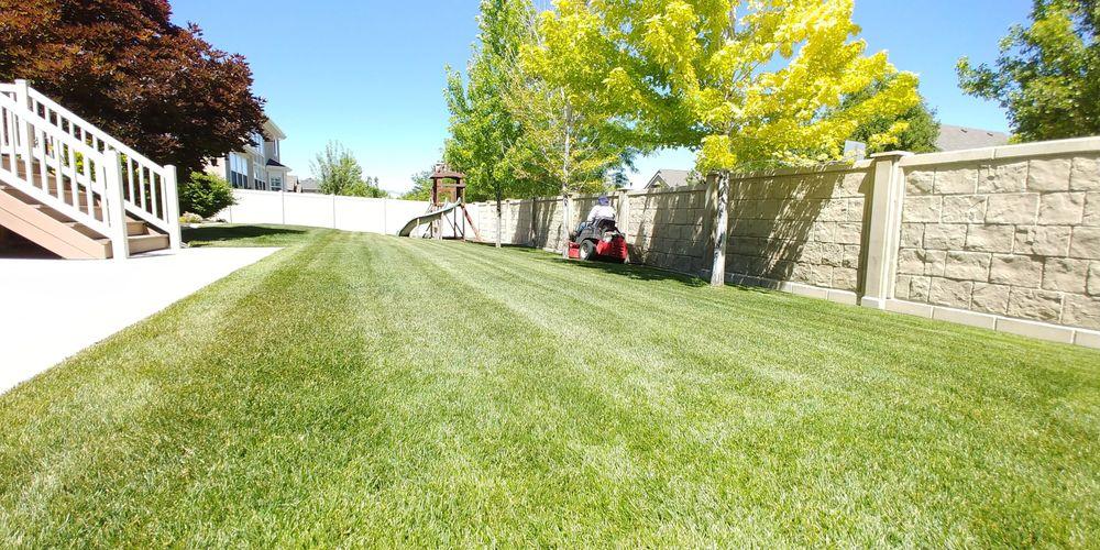 Vazquez & Flores Lawn Care Services: 5075 W 4700 S, Kearns, UT