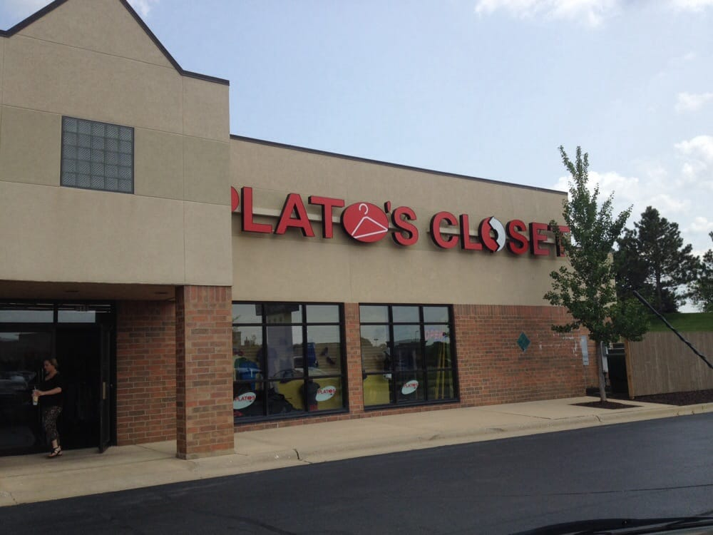 Plato S Closet Pound Shops 580 S Perryville Rd Rockford Il United States Yelp