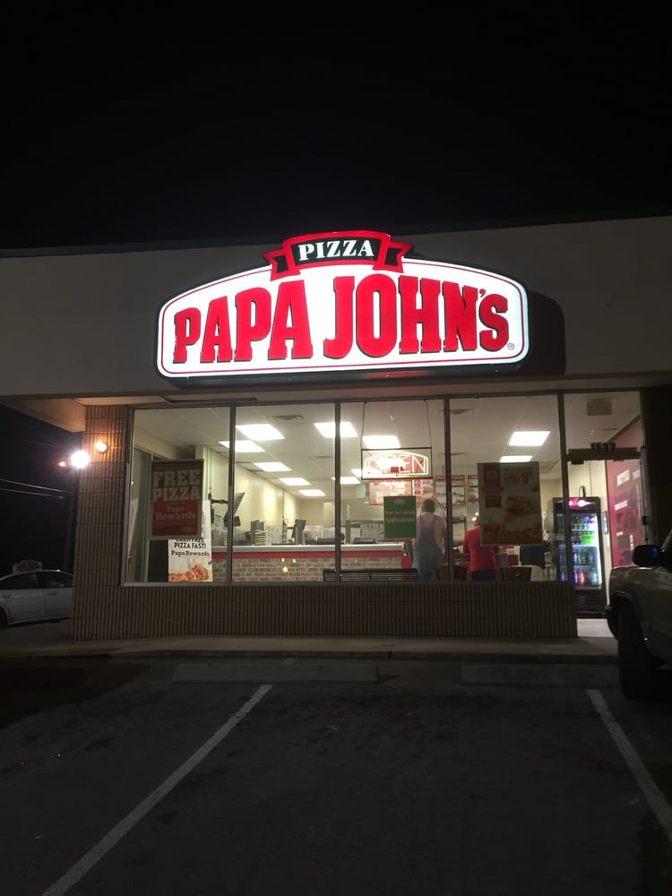 Papa Johns Saskatoon restaurant is located in the Saskatoon province of Saskatchewan, Canada. The company laid its foundation on 2nd of October In commenced operations with the establishment of first restaurant in Jeffersonville, Indiana.