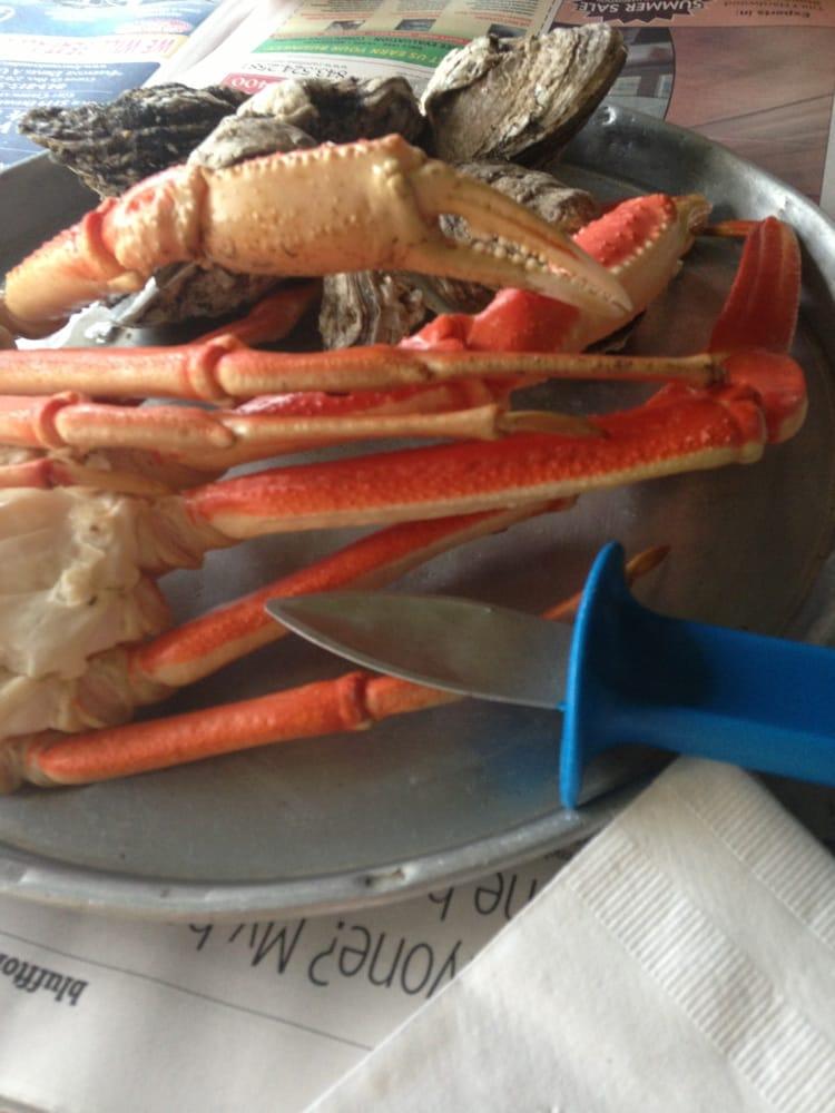 Desposito s seafood restaurant 10 photos 23 reviews for Fish market savannah ga