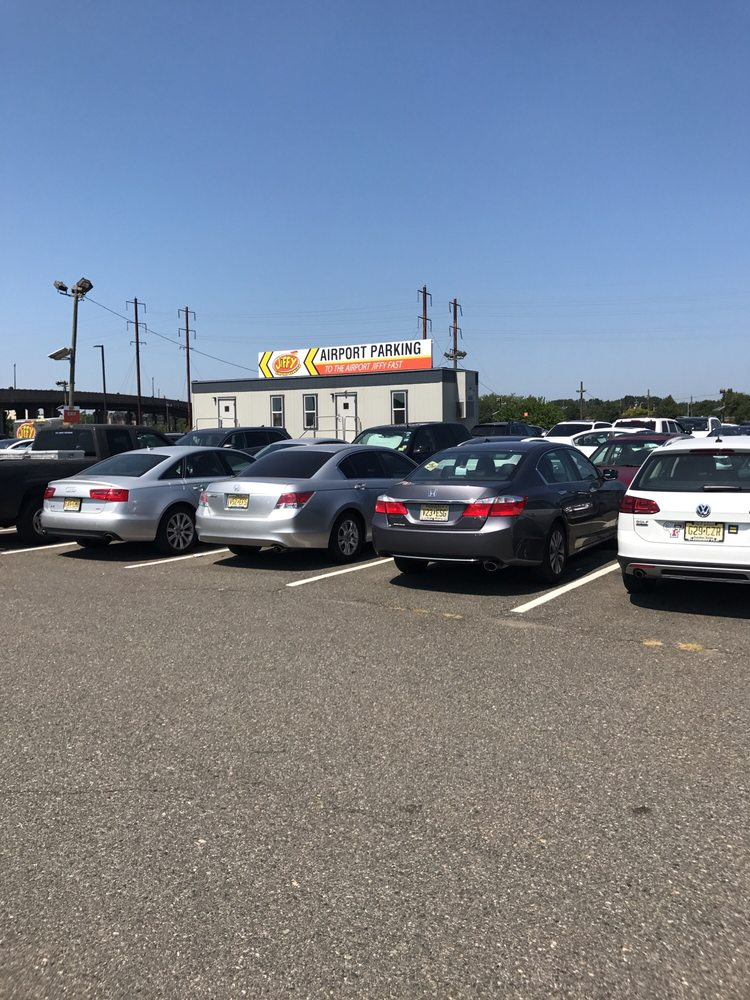Jiffy Airport Parking - 19 Photos & 76 Reviews - Parking