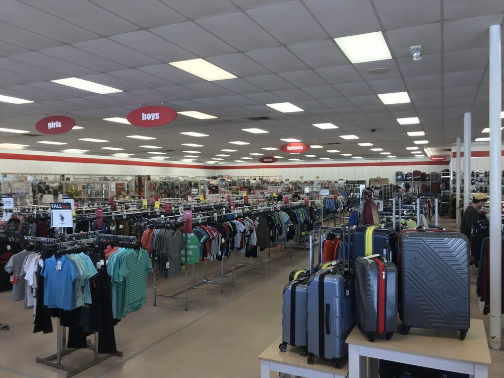 Beall's Outlet: 190 Canaveral Plaza Blvd, Cocoa Beach, FL