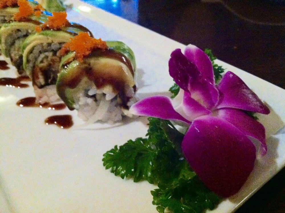 From top to bottom green dragon roll 39 s close up 05 39 16 for Asia sushi bar and asian cuisine mashpee