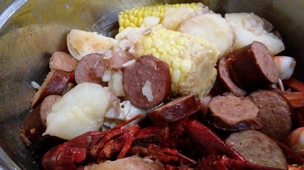 Emilee's Restaurant: 815 Hwy 51 N, Ripley, TN