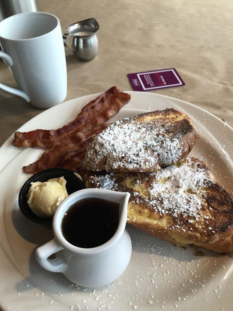 Café Bricco: 3150 W Market St, Akron, OH