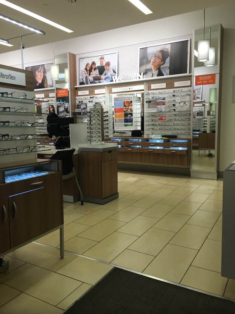 About LensCrafters Las Vegas, NV With a mission of helping people look and see their best, your Las Vegas LensCrafters has a passion for eyes. LensCrafters located at W Lake Mead Blvd offers the best selection of the latest trends in eyewear from leading designer brands.