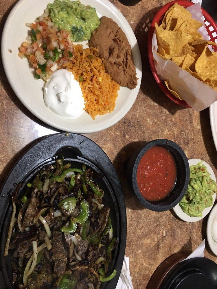 Jaliscos Mexican Restaurant: 505 E Central Ave, Belton, TX