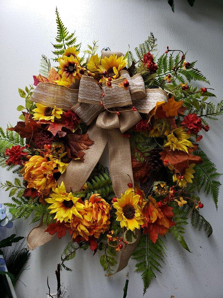 Ivy Leaf Florist: 16 N Main St, Dry Ridge, KY