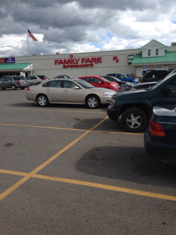 Family Fare Supermarket: 2206 S M 76, West Branch, MI