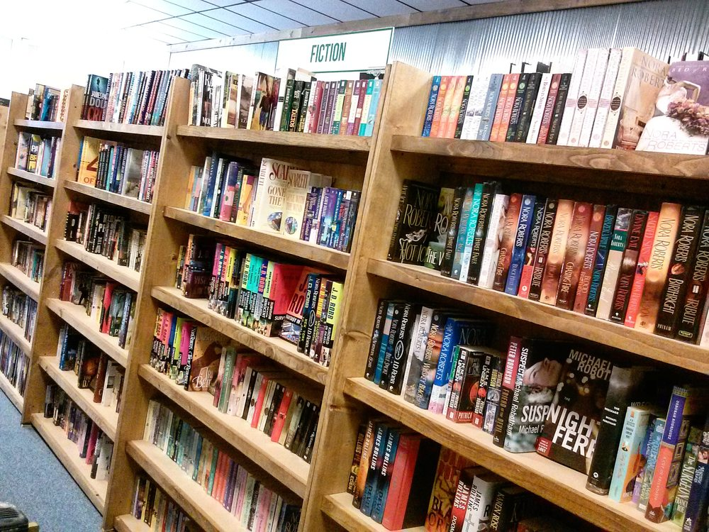 Walls of Books: 733 Commercial St, Atchison, KS
