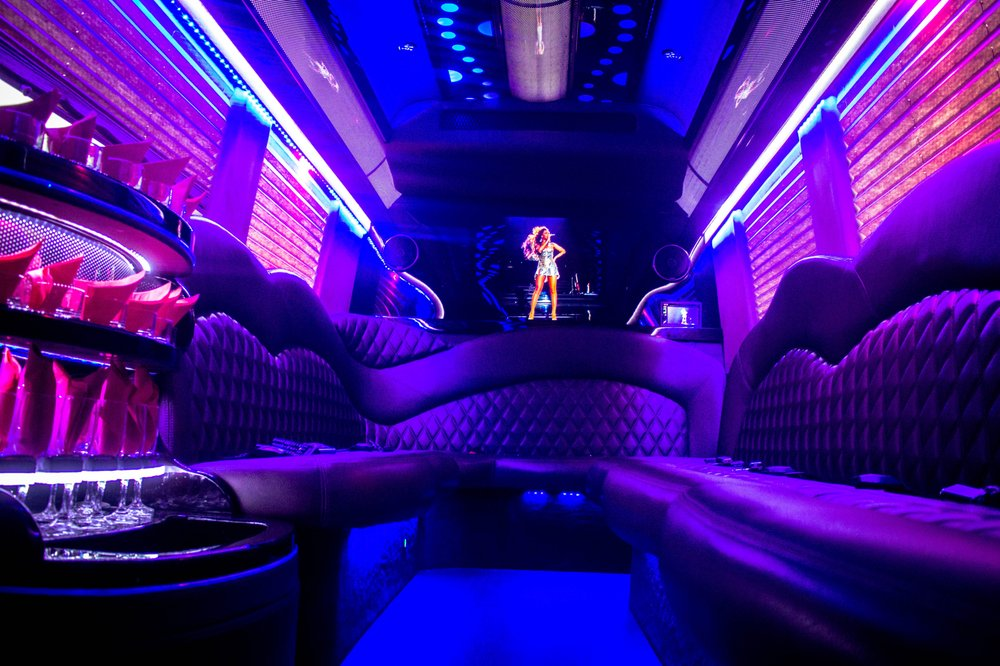 Class A Limousine: 7450 Natural Bridge Rd, Normandy, MO
