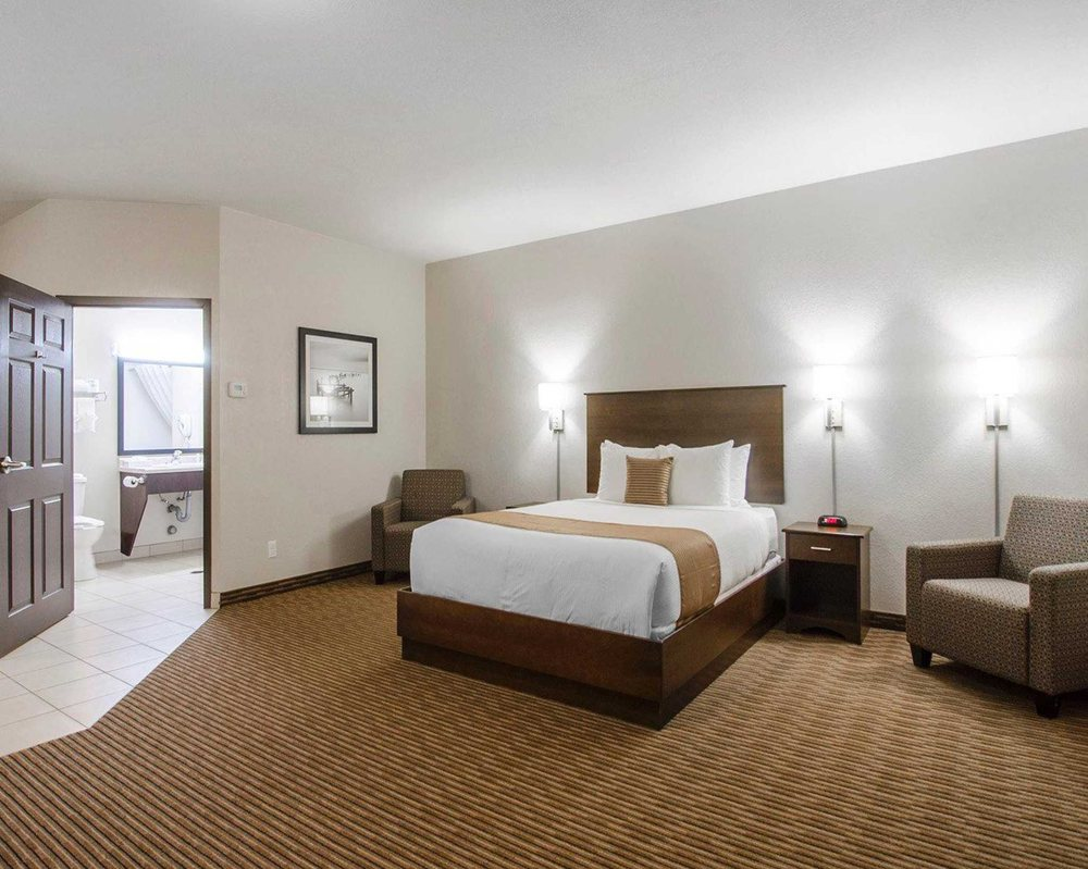 Suburban Extended Stay Hotel: 404 Kensington Avenue, Estevan, SK