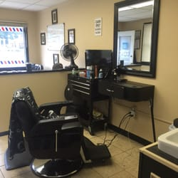 vinny s barber shop 11 photos barbers 2224 silas deane hwy rocky hill ct phone number. Black Bedroom Furniture Sets. Home Design Ideas