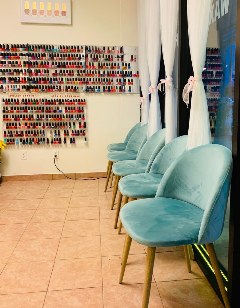 Kevin's Nails & Spa: 1242 N Interstate Dr, Norman, OK