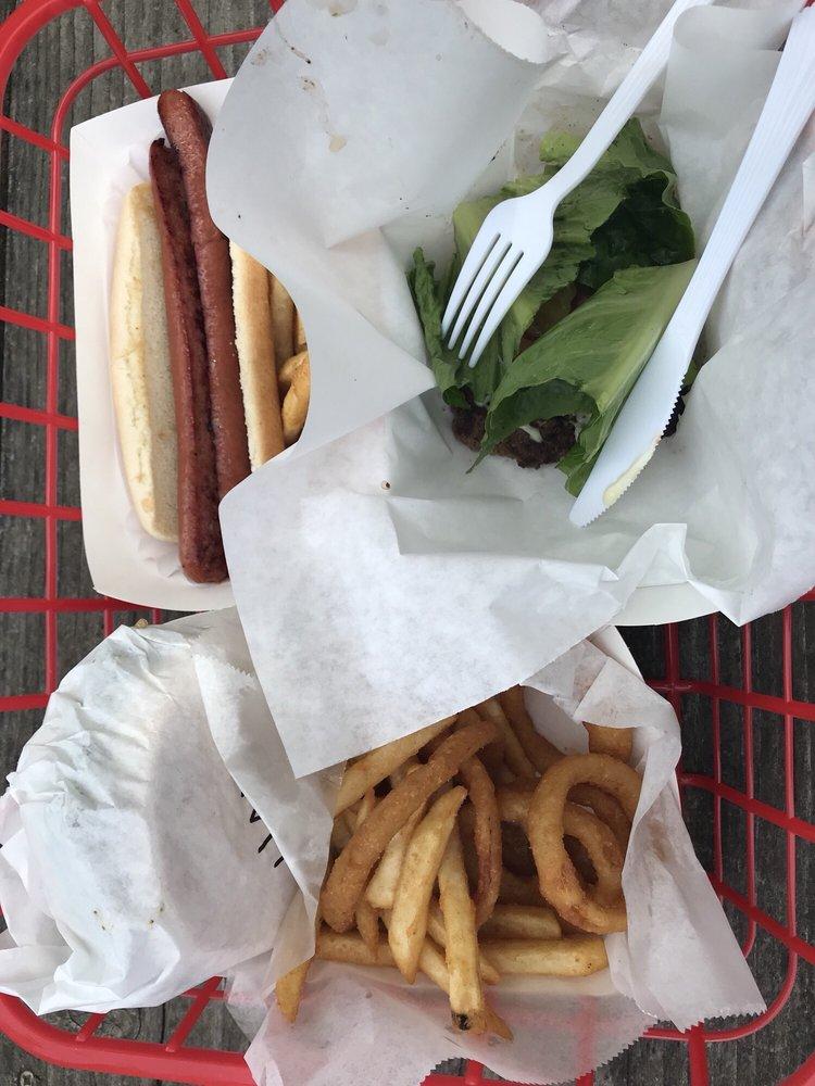 Dinky Diner: 36339 S River Rd, Clarksburg, CA