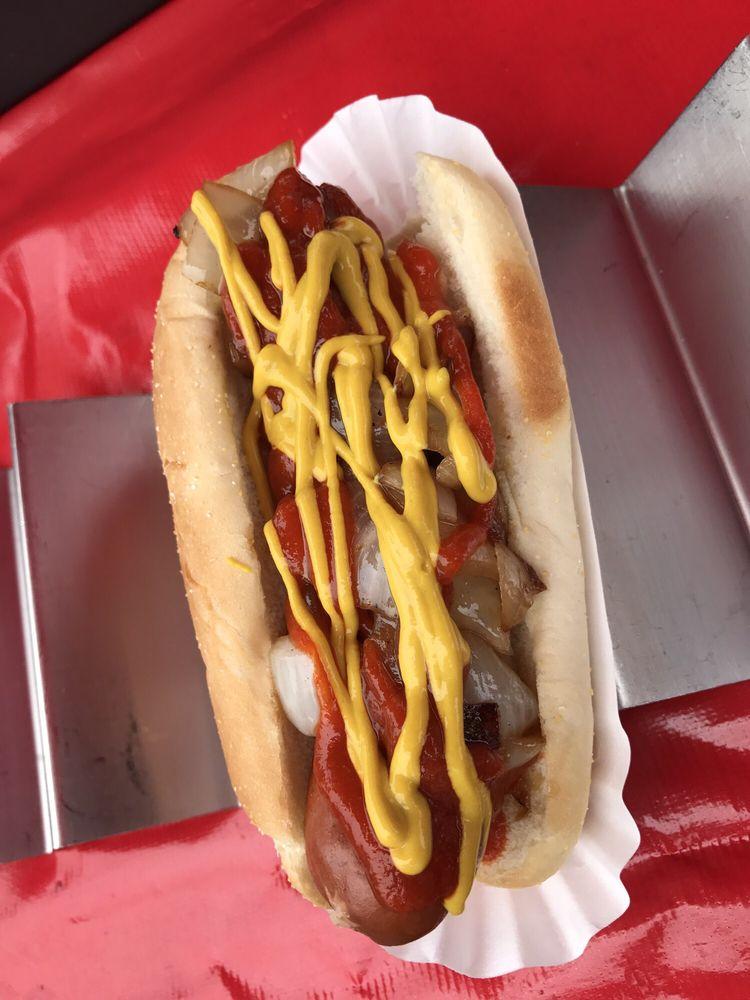 Humboldt Hot Dogs: Arcata Plz, Arcata, CA
