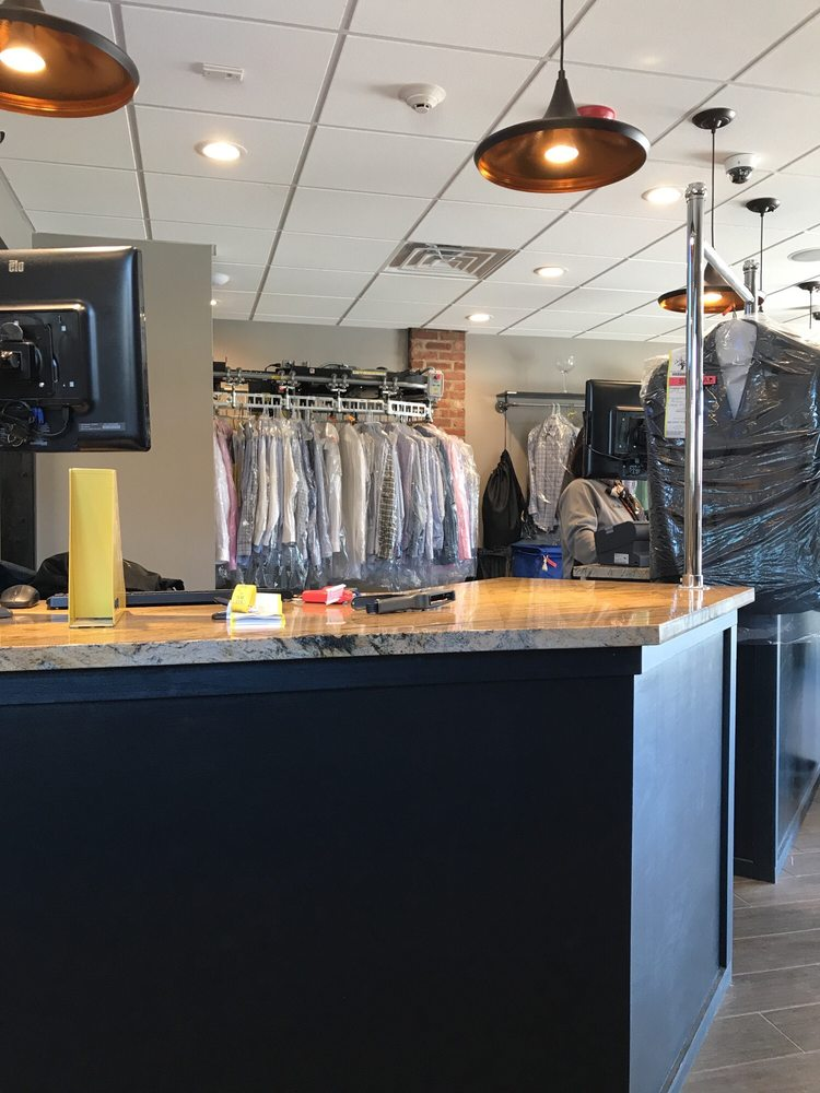 Andrew Howard Dry Cleaners & Tailors