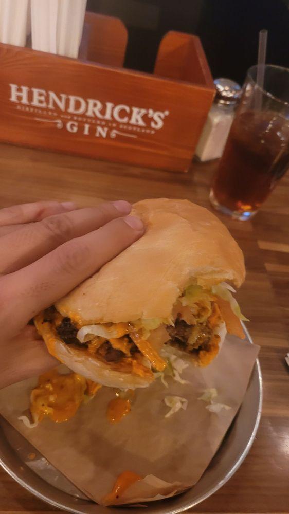 Toro burger Bar: 13034 Eastlake Blvd, Horizon City, TX