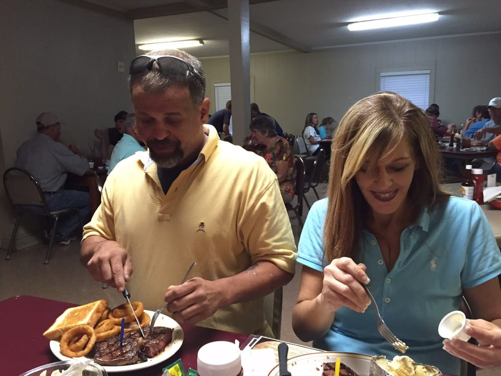 Centerville Fish & Steak: 8788 Hwy 363, Mantachie, MS
