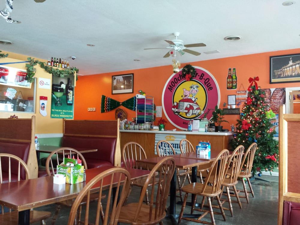Moocho Mexican Restaurant & Cantina: 1704 S Broadway, Oak Grove, MO