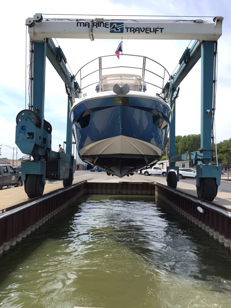 MarineMax Port Clinton: 1991 NE Catawba Rd, Port Clinton, OH