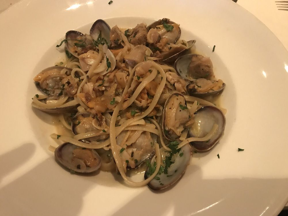 Cafe L'Amore: 455 Ramapo Valley Rd, Oakland, NJ