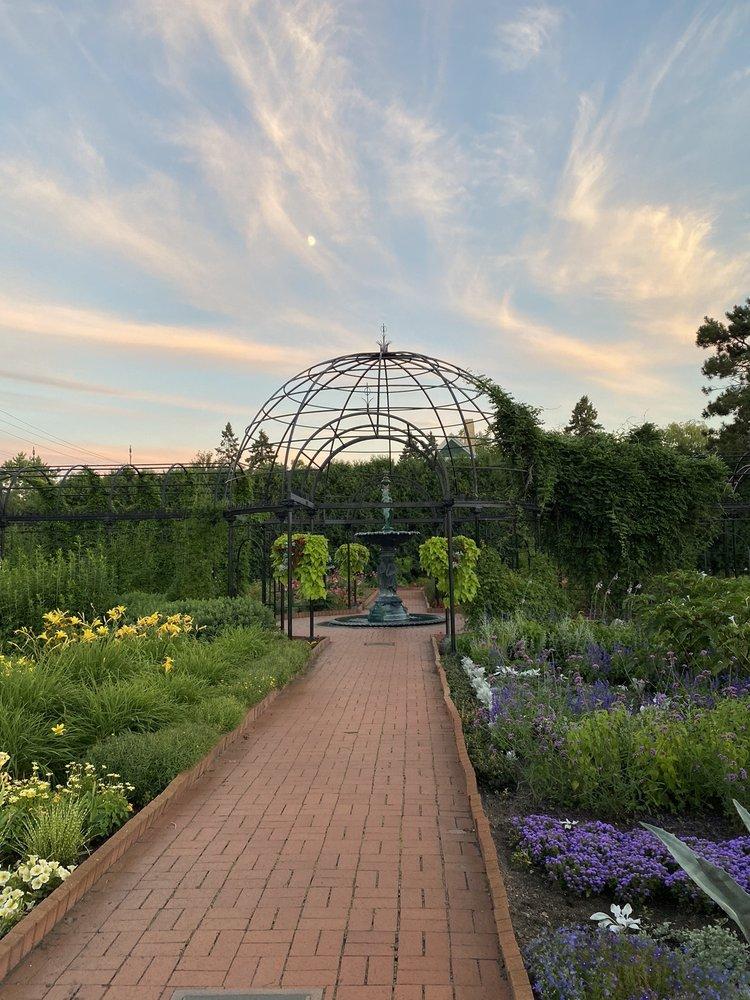 Social Spots from Munsinger Gardens