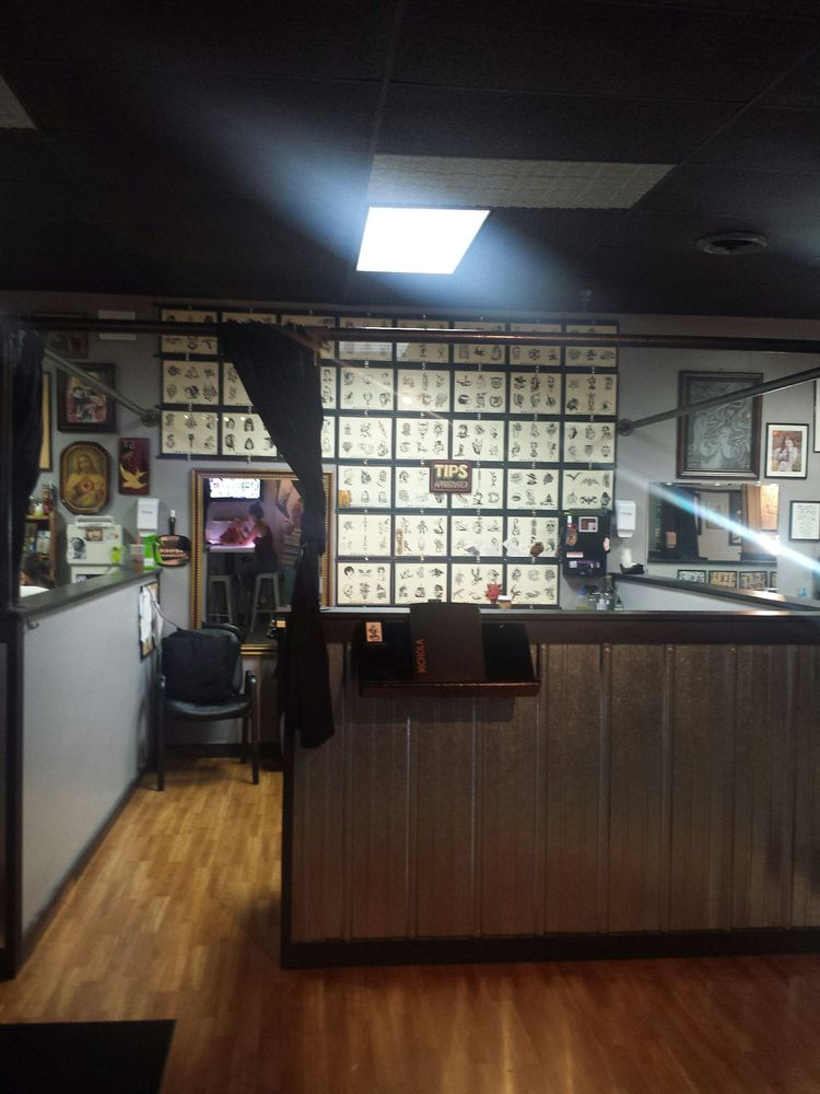 Tainted Skin Tattooing: 1176 N Main St, Crown Point, IN