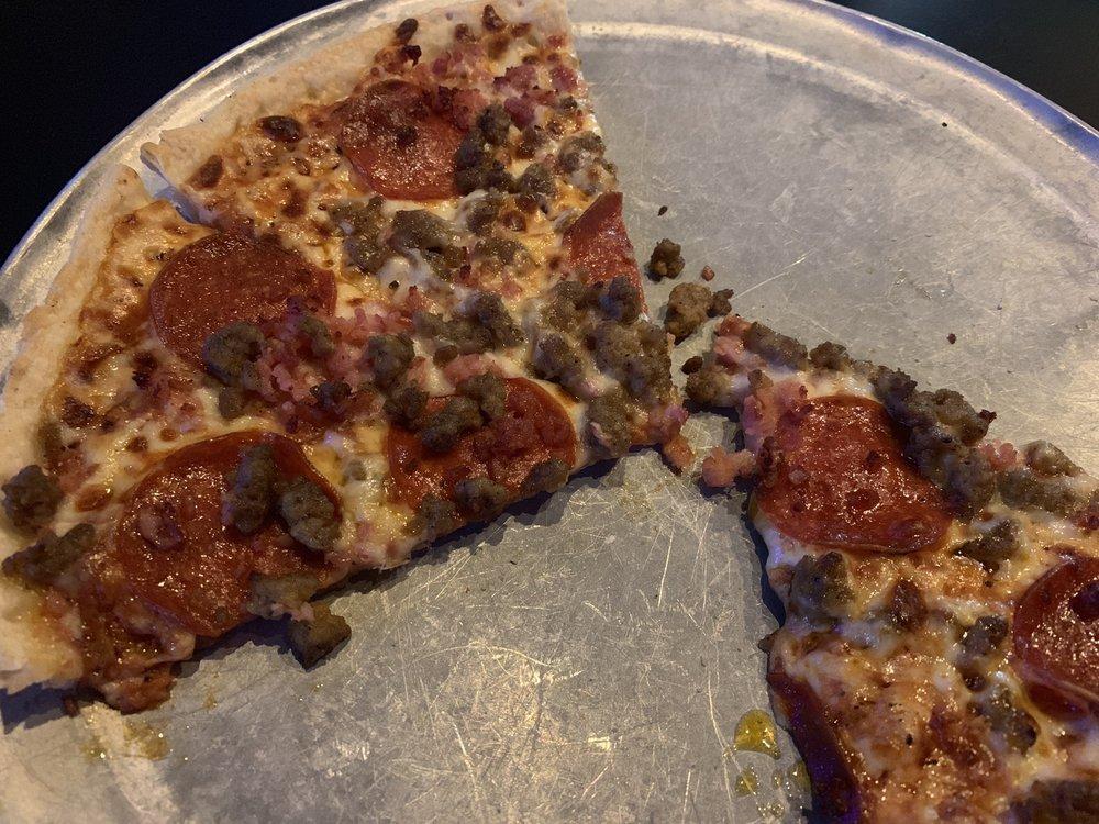 Jim's Razorback Pizza: 20608 Hwy 365 N, Maumelle, AR