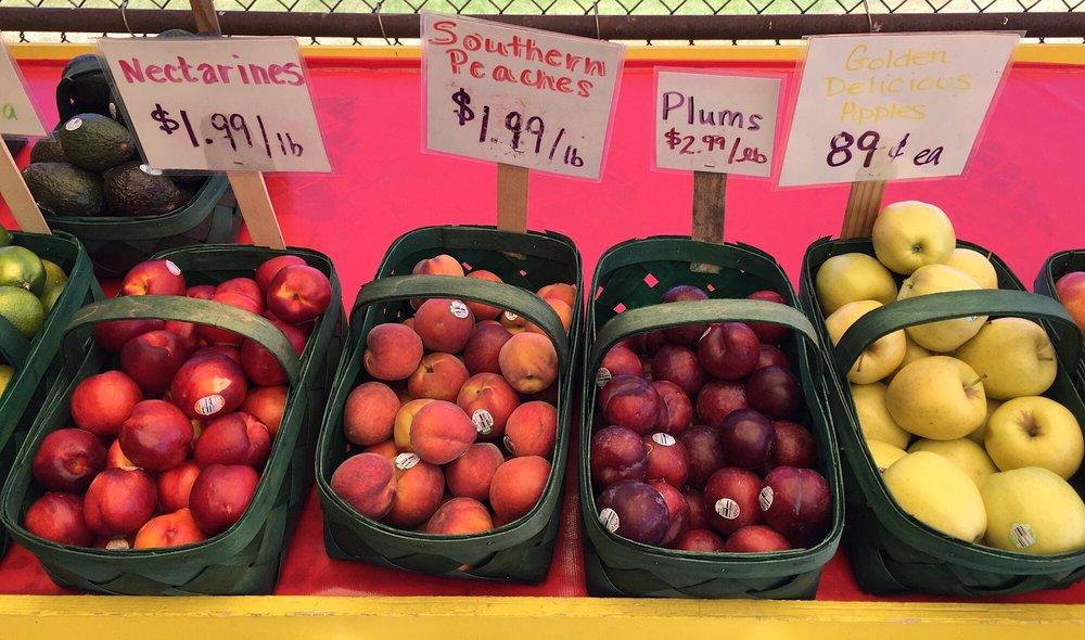 Fruit Acres Farm Market U-Pick: 3452 Friday Rd, Coloma, MI