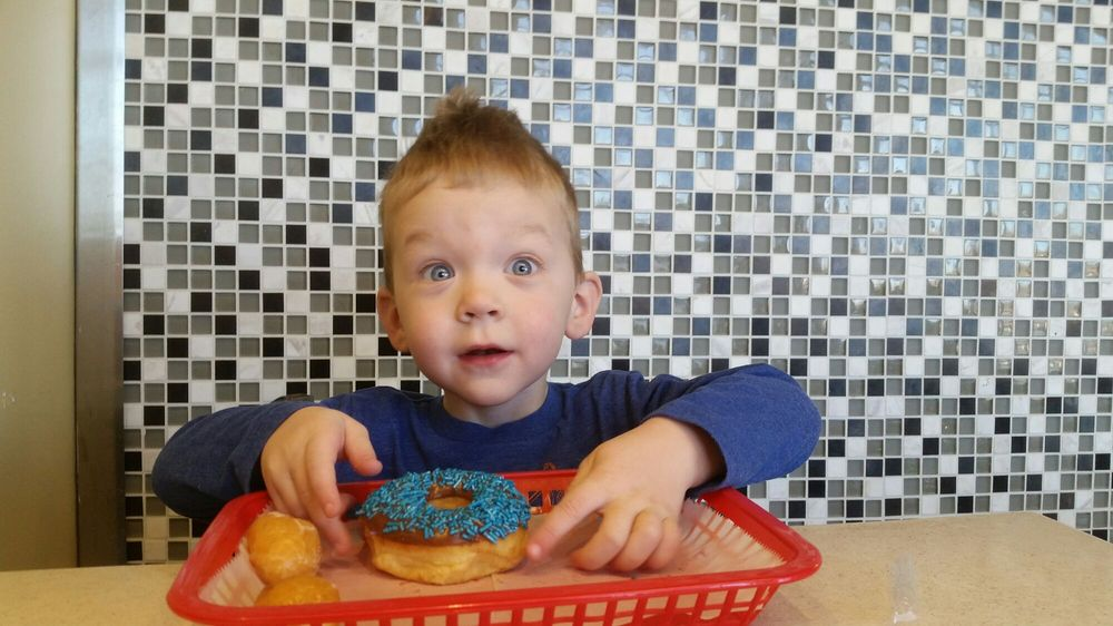 Mr Donuts: 8854 Maximus Dr, Lone Tree, CO