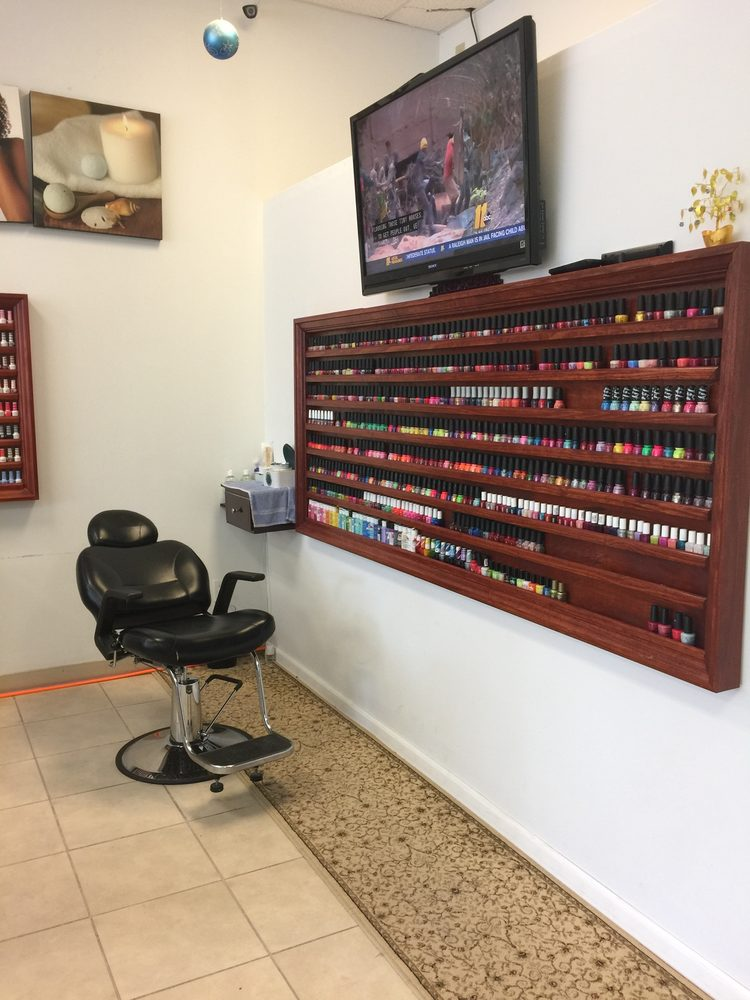 Best Nails: 408 N Bragg Blvd, Spring Lake, NC