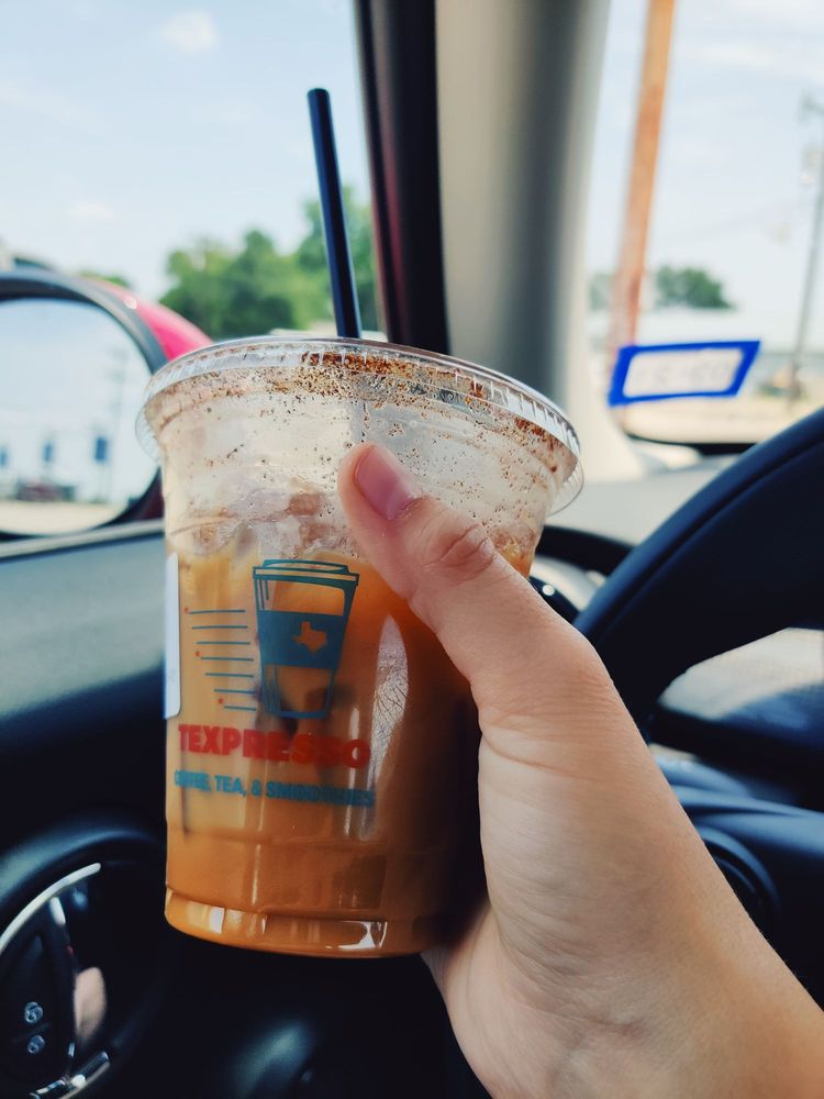 Texpresso: 104 W Hwy 90 A, Gonzales, TX