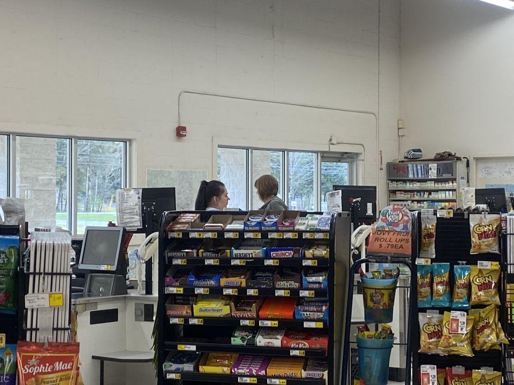 Gold Bar Family Grocer: 1111 Croft Ave, Gold Bar, WA