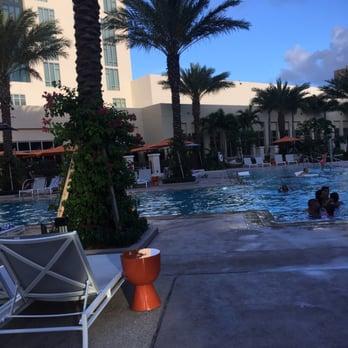 Hotels Near  Okeechobee Blvd