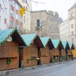 Weihnachtsmarkt Bonn.Weihnachtsmarkt Bonn Münsterplatz Bonn Nordrhein Westfalen