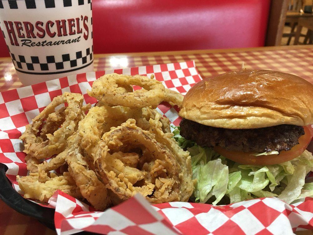 Herschel's Family Restaurant: 1607 US Hwy 79 S, Henderson, TX