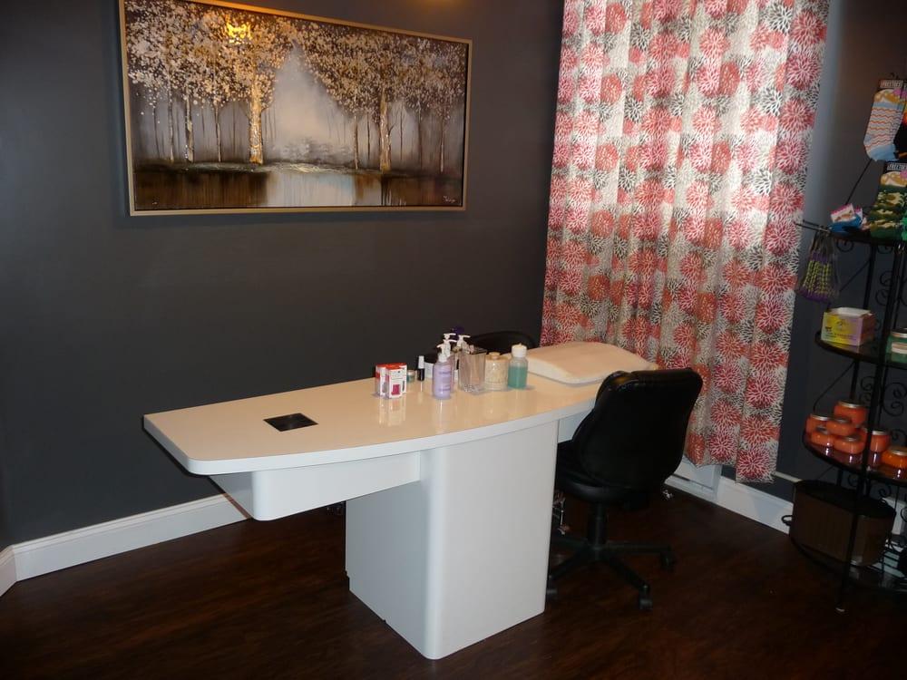 Body & Sole Therapy Salon and Spa: 2728 Colonial Ave, Roanoke, VA