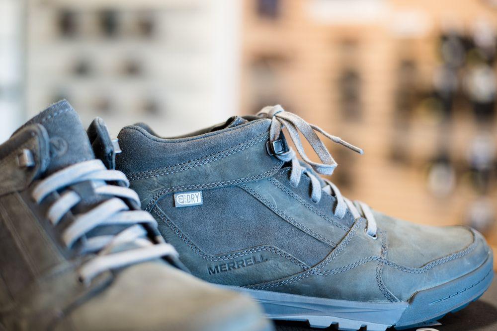Karavel Shoes