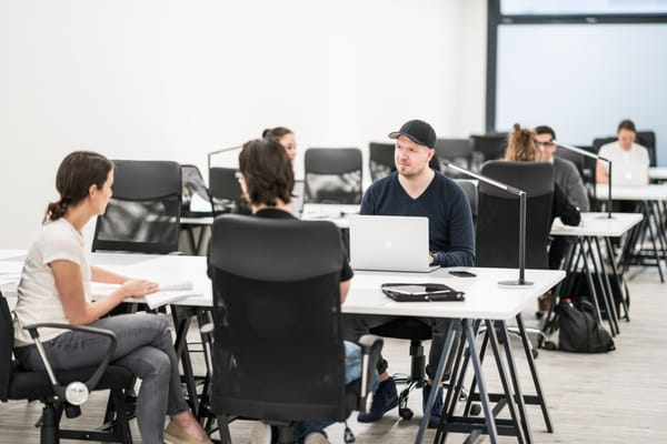Amapola coworking oficinas compartidas scharnhorststr for Horario oficina evo