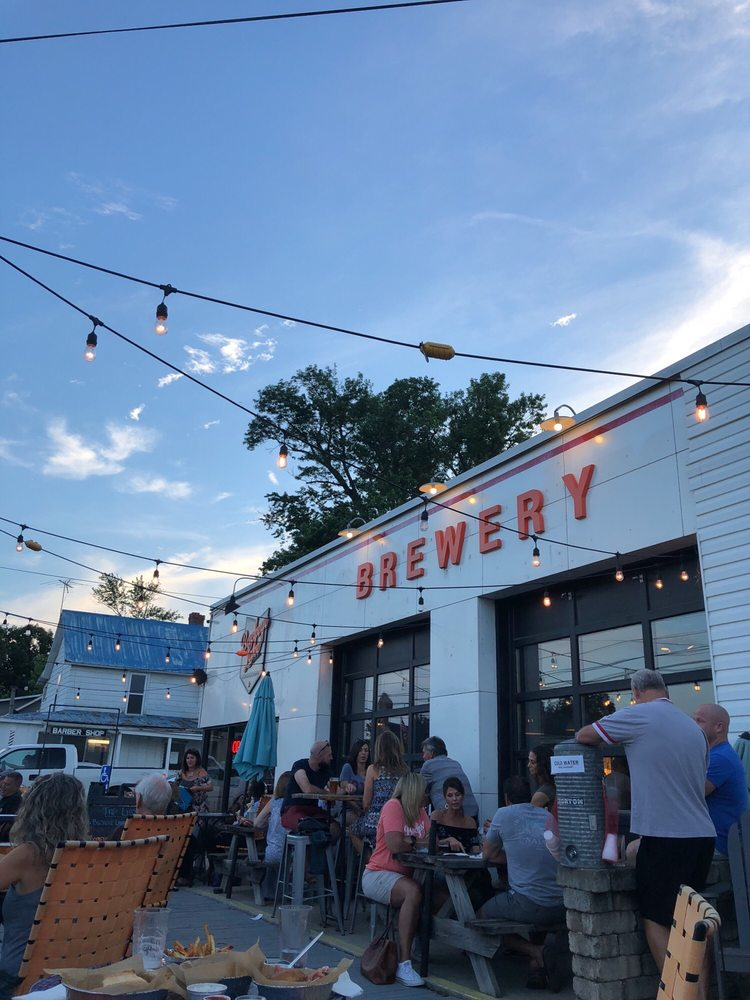 Buckeye Lake Brewery: 5176 Walnut Rd, Buckeye Lake, OH