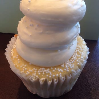 Photo Of Gigiu0027s Cupcakes Of Knoxville   Knoxville, TN, United States. Wedding  Cake