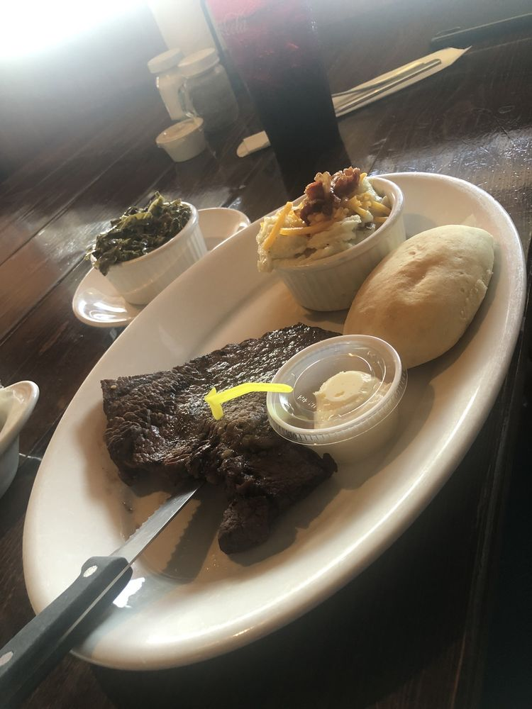Ray's Steak and Ribs: 7290 Golden Isles Pkwy, Baxley, GA