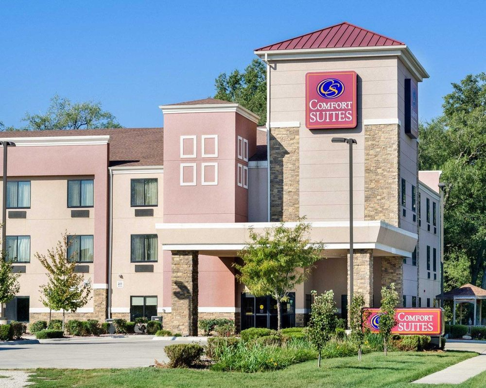 best lakes us suites america wi at s com comfort and hotel value booking amerivu inn hayward comforter